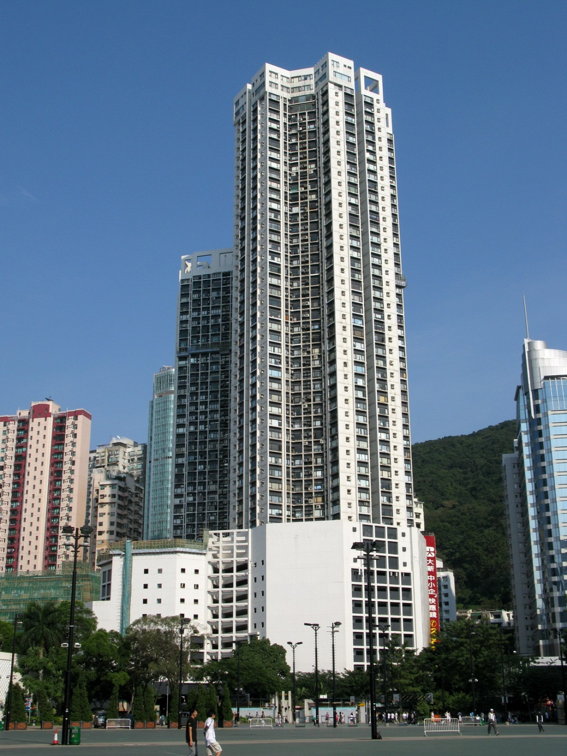 http://upload.wikimedia.org/wikipedia/commons/0/00/Park_Towers.jpg