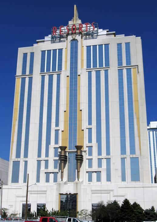 https://upload.wikimedia.org/wikipedia/commons/7/7a/Resorts_Atlantic_City_02.jpg