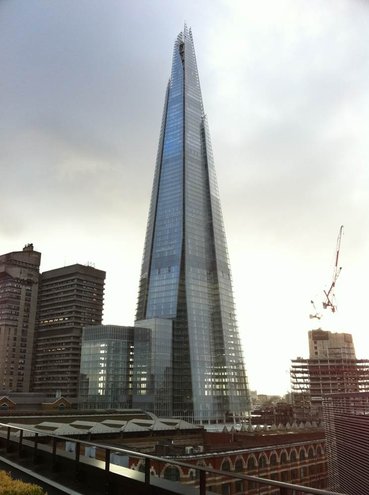 Description : http://www.skyscrapernews.com/images/pics/268PanPeninsulaWestTower_pic2.jpg