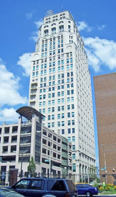 http://upload.wikimedia.org/wikipedia/commons/0/07/OakTower_Kansas_City_Missouri.jpg